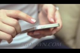 手持苹果手机查阅信息,苹果,手机