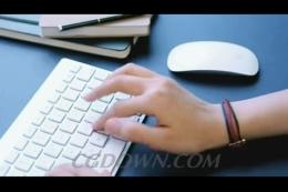 敲击键盘输入,苹果键盘