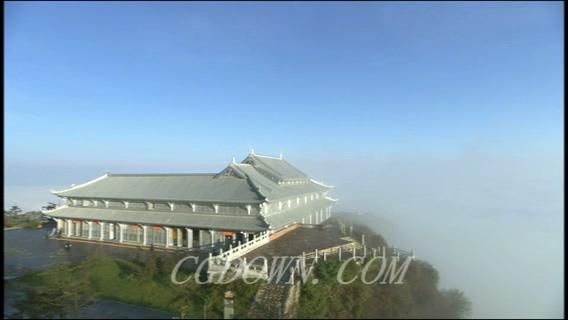 峨眉山山顶云雾缭绕,山顶云海