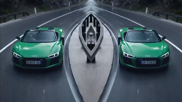 炫酷2019款奥迪R8V10汽车速度山林穿梭开场片头视频素材