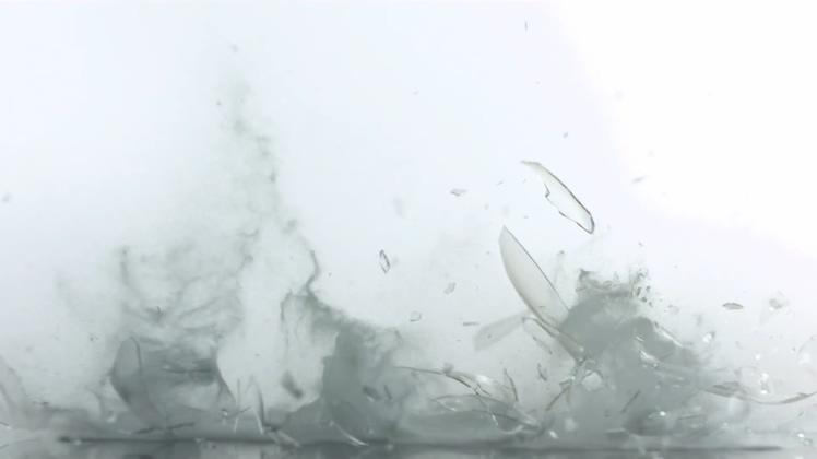 打碎的玻璃沙漏视频素材