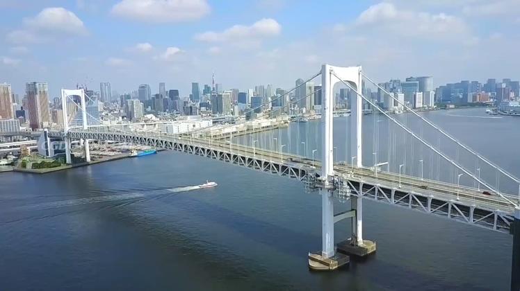 航拍日本东京湾台场大桥视频素材