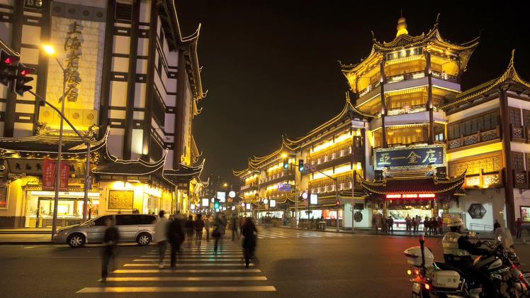 上海豫园集市区街道夜晚延时拍摄