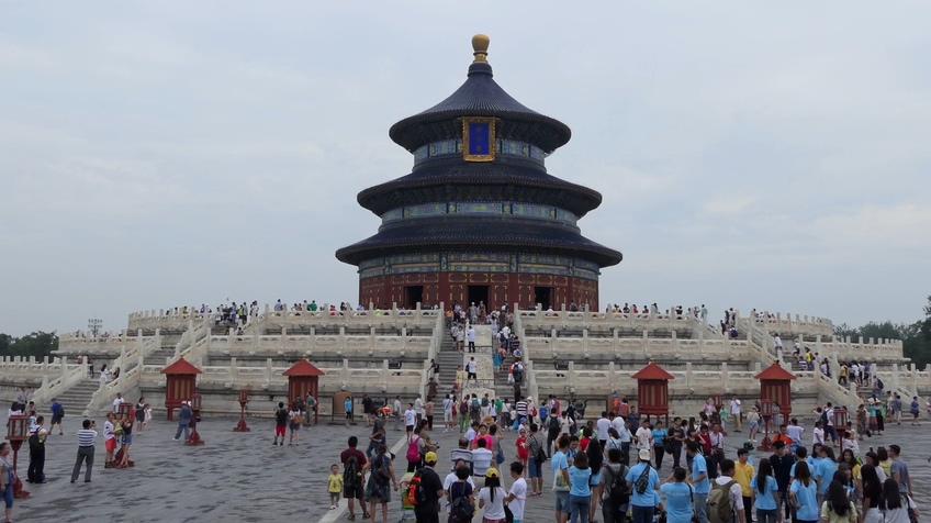 中国北京天坛人群旅游素材