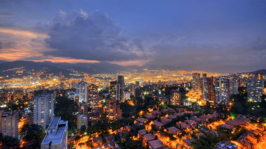 4K香港山上俯视云彩延时夜景视频素材