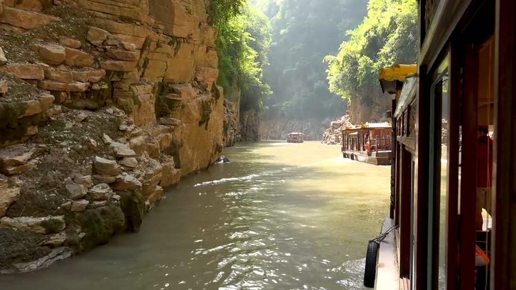 神女溪长江乘船实拍旅游