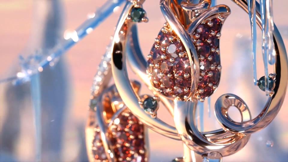 璀璨华丽珠宝玫瑰珠宝在冰雪天地中融化