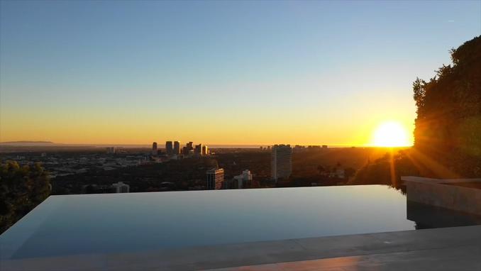 美国加利福尼亚州洛杉矶顶级前排视线好富人区的豪宅实拍