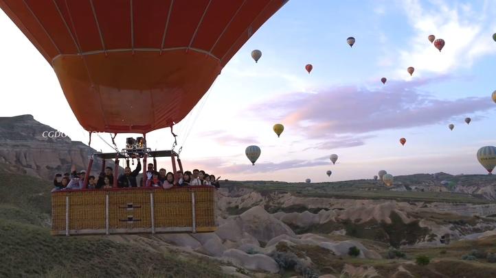 浪漫,土耳其,热气球,高清实拍乘坐浪漫的土耳其热气球视频素材