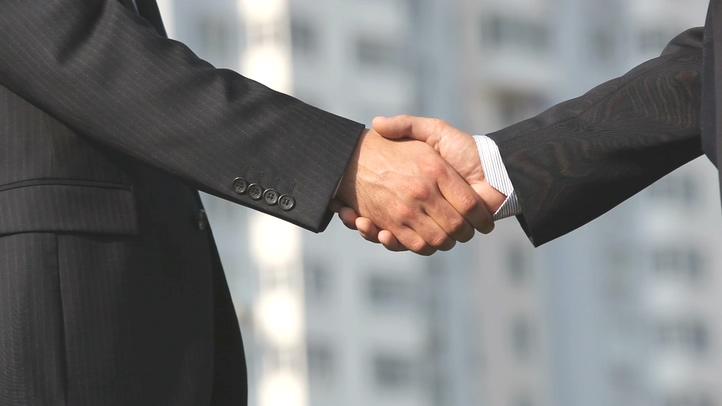 握手,实拍,男人,两个,公司,谈判,商业,商业公司谈判两个男人握手实拍,免费视频素材