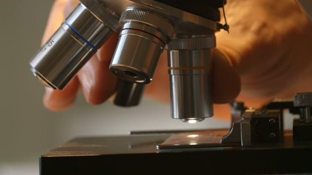 医学,显微镜,检测,医疗,科研,化验,医学显微镜旋转检测头特写视频素材