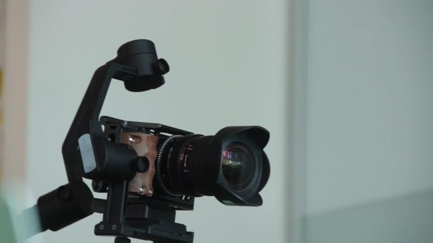 手持拍摄稳定器单飞相机