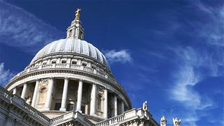 英国伦敦圣保罗大教堂的圆顶延时拍摄视频素材影视模板