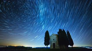 神话般的星空螺旋星光延时拍摄