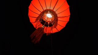 中国传统的红色灯笼祈福喜庆