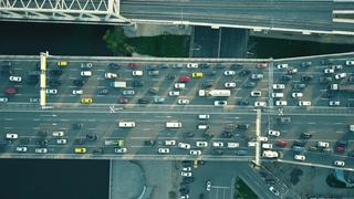 堵塞,交通,城市,航拍,空中自上而下的交通堵塞在车桥和移动视频素材