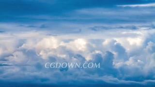 云彩,天空,延时,美丽的云彩在运动游戏中时光倒流视频素材