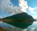 挪威的天空,山峰,天空,蓝天,白云,湖泊,山峦,倒映,云彩,天然,绿色,遮盖大地